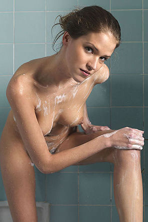 Silvie Soaped Her Nude Body